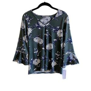 NWT Stitch Fix Loveappella bell sleeve floral top